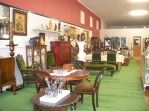 Temple Lions Antiques & Collectibles